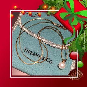 VTG White Pearl Pendant Italian yellow gold chain